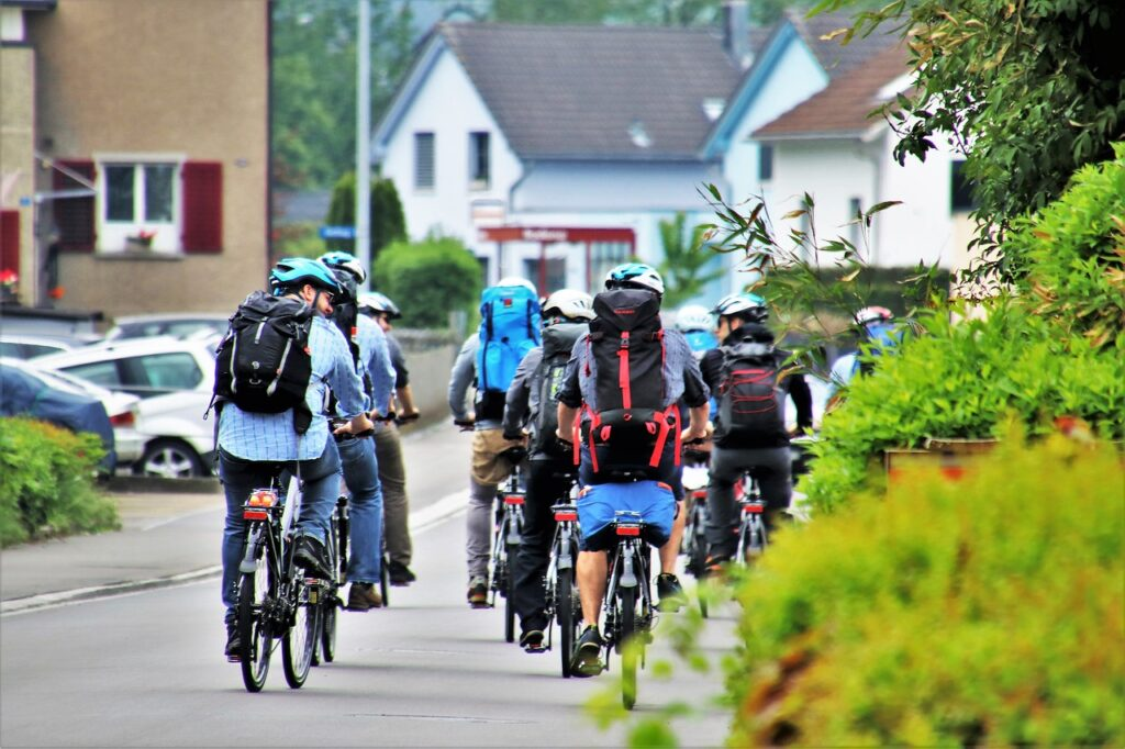 Street Bike People Male Traffic  - pasja1000 / Pixabay