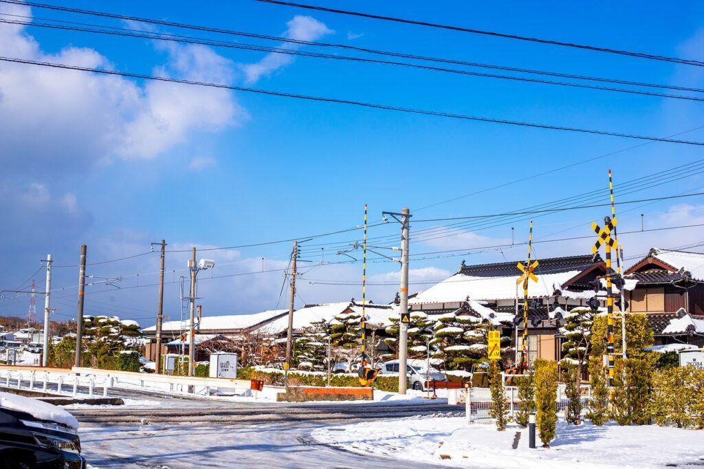 Street Road Snow Town Winter  - DoanKien / Pixabay
