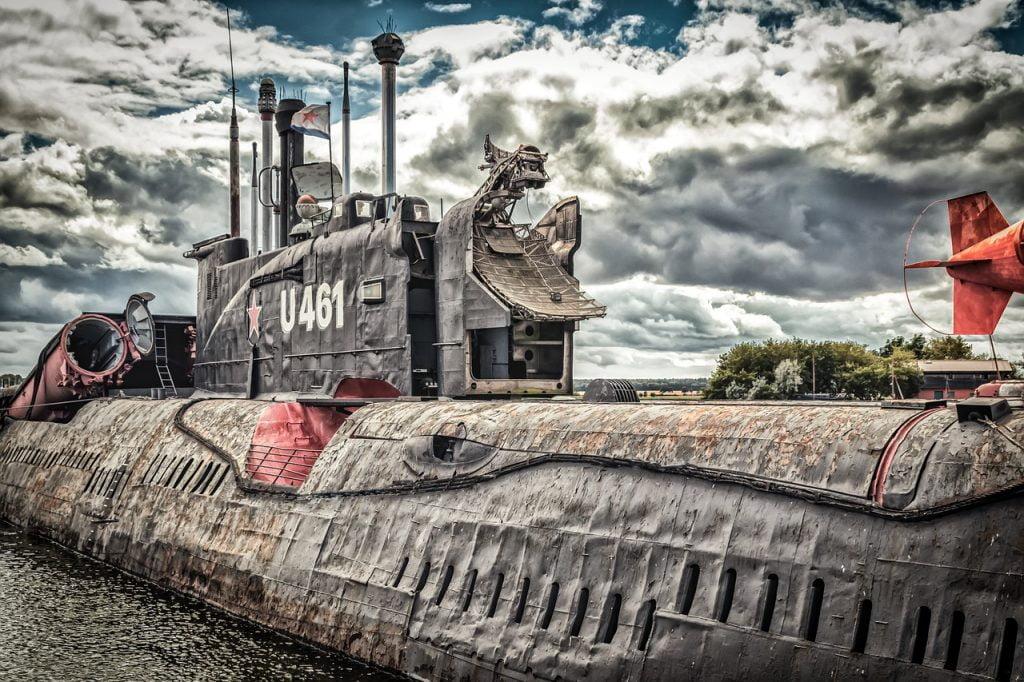 Submarine Boat Ship U Boat  - analogicus / Pixabay