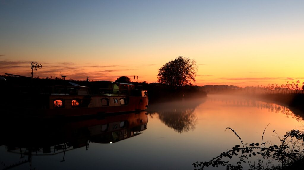 Sunrise Canal Du Midi Mist Sky  - rauschenberger / Pixabay