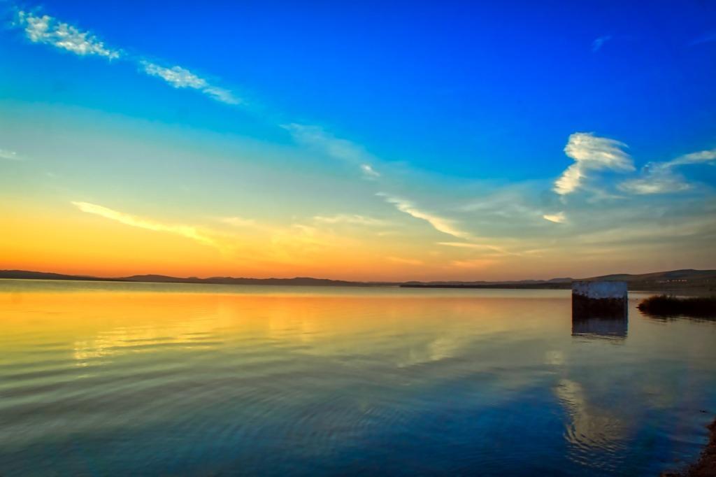 Sunrise Morning Lake Silhouette  - Purgin_Alexandr / Pixabay