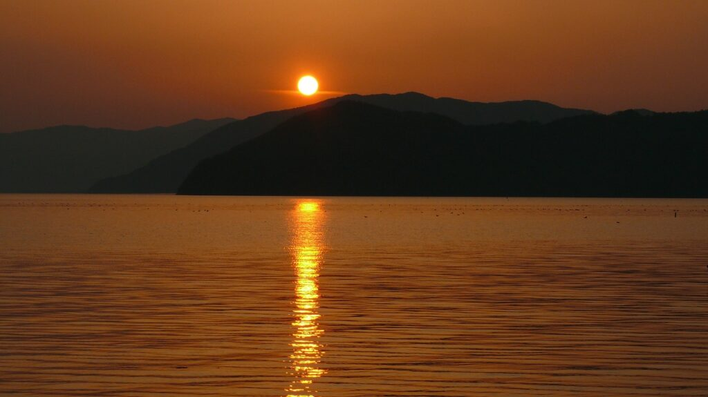 Sunset Lake Calm Tranquil Scene  - Ramapo / Pixabay