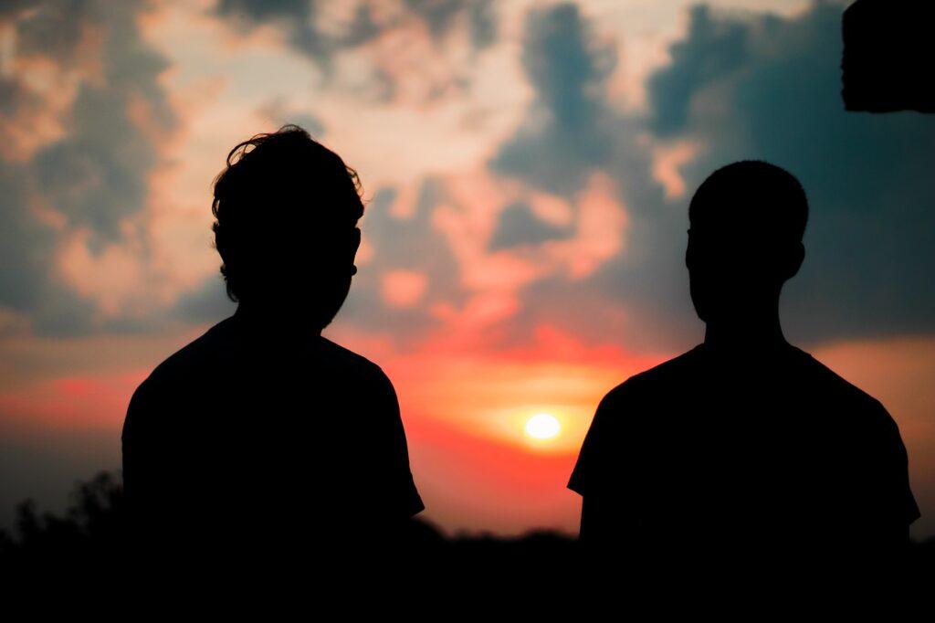 Sunset Men Friends Silhouette  - kushal_sarkar / Pixabay