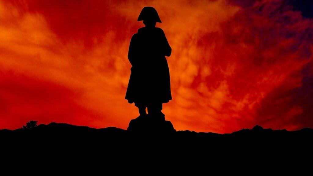 Sunset Monument Statue Napoleon  - rauschenberger / Pixabay