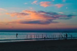 Sunset Sea Beach Sunrise Uk  - AwayWeGo210 / Pixabay