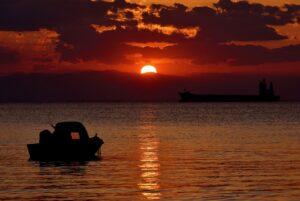 Sunset Sea Sky Water Sun Boat  - papazachariasa / Pixabay