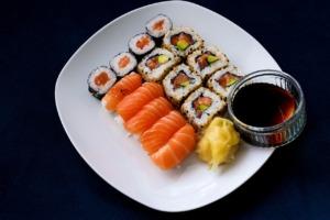 Sushi Japanese Cuisine Dish Salmon  - omisido / Pixabay