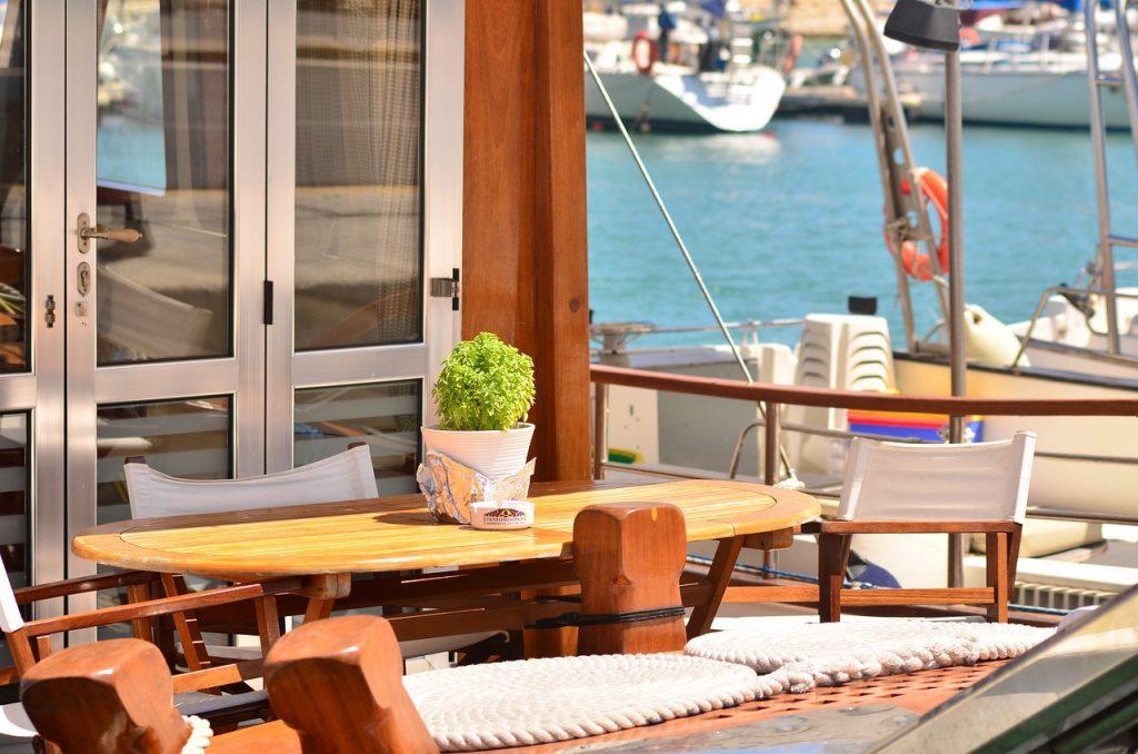 Table Deck Yacht Greece  - vladimirya / Pixabay