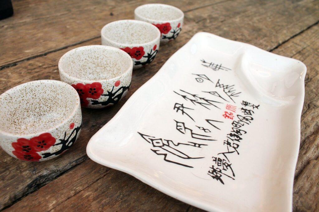 Tableware Table Japanese Characters  - Kartashova / Pixabay