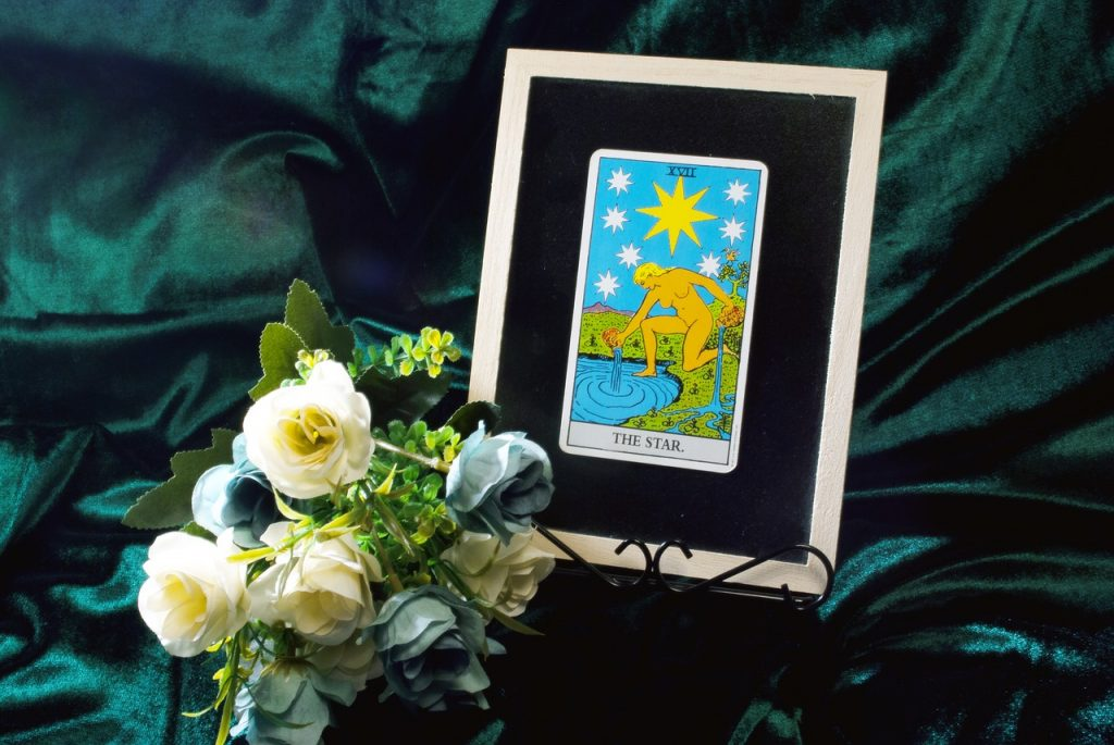 Tarot Card Oracre Star Spiritual  - komahouse / Pixabay