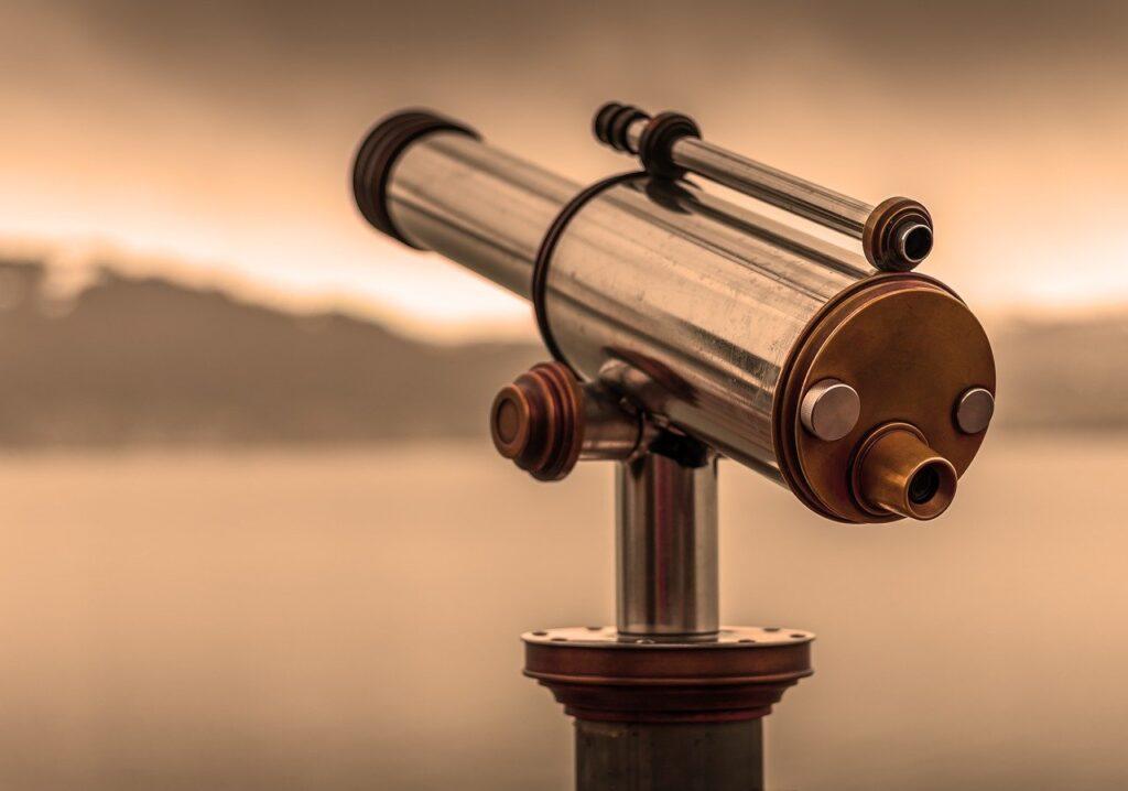 Telescope By Looking View Optics  - Lars_Nissen / Pixabay