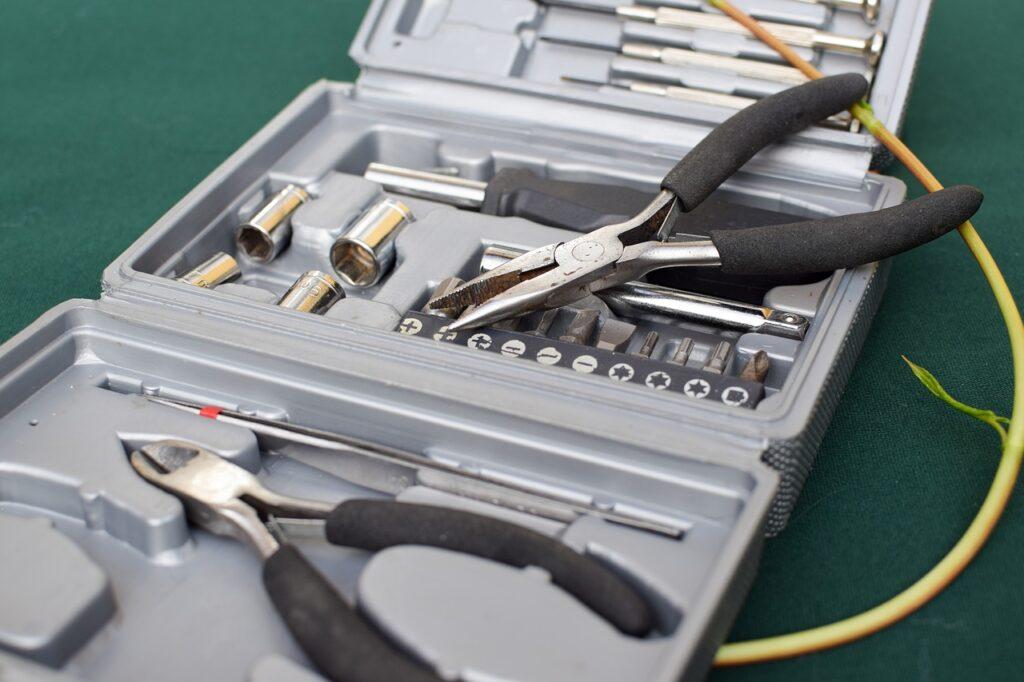 Tools Seaweed Handy Tools Tools  - ugglemamma / Pixabay
