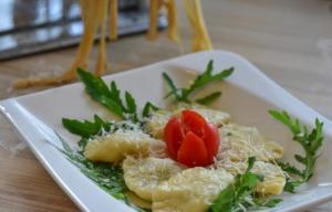 Tortellini Pasta Dish Starter  - RitaE / Pixabay