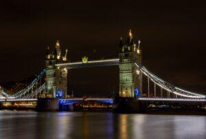 Tower Bridge River Night Lights  - TheOtherKev / Pixabay