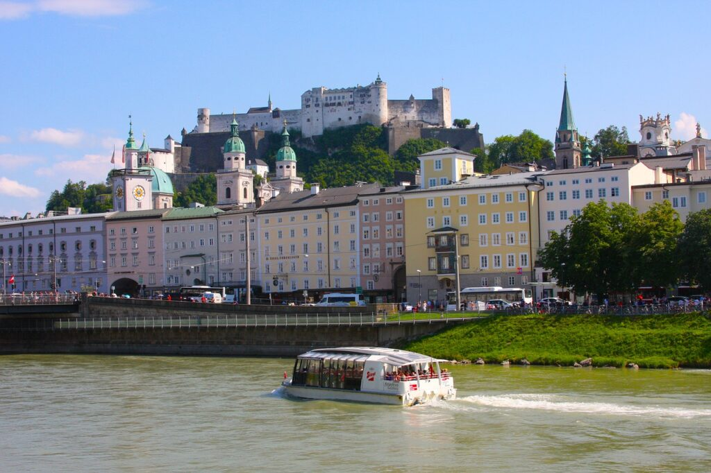 Town Castle River Boat Travel  - PaulAzorcan / Pixabay