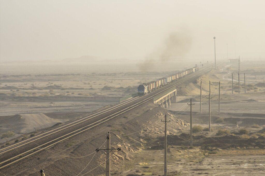 Train Railway Railroad Transport  - Javad_esmaeili / Pixabay