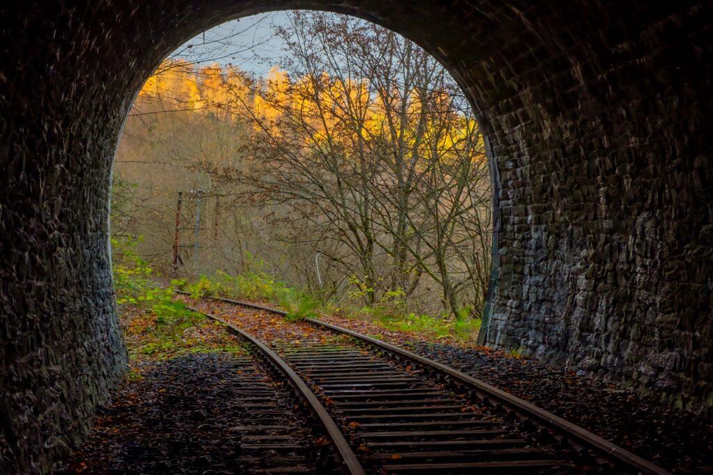 Tunnel Railway Tunnel Track  - music4life / Pixabay