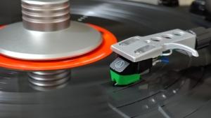 Turntable Vinyl Music Audio Analog  - Youngmoon / Pixabay