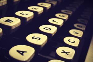 Typewriter Type Writer Old Antique  - BlenderTimer / Pixabay