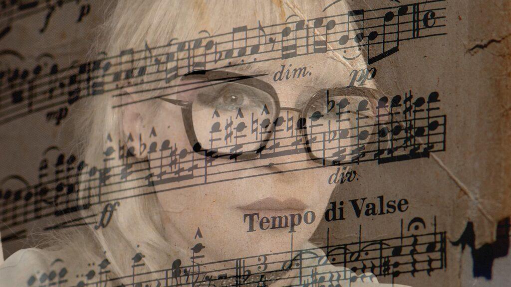 Valse Music Girl Dreamy Portrait  - Ri_Ya / Pixabay