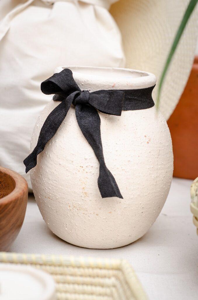 Vase Crock Pottery Pot Ribbon Bow  - parblusa / Pixabay
