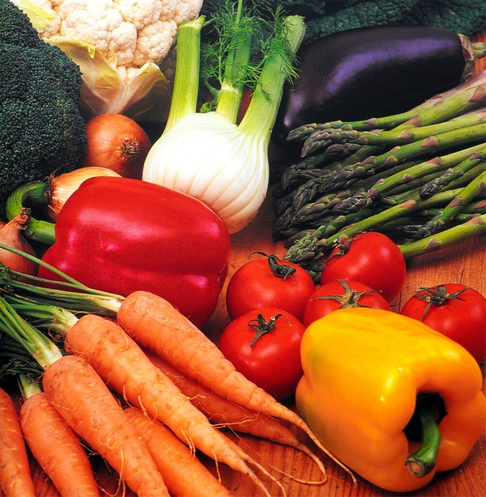 Vegetables Fresh Eat Food  - matthiasboeckel / Pixabay