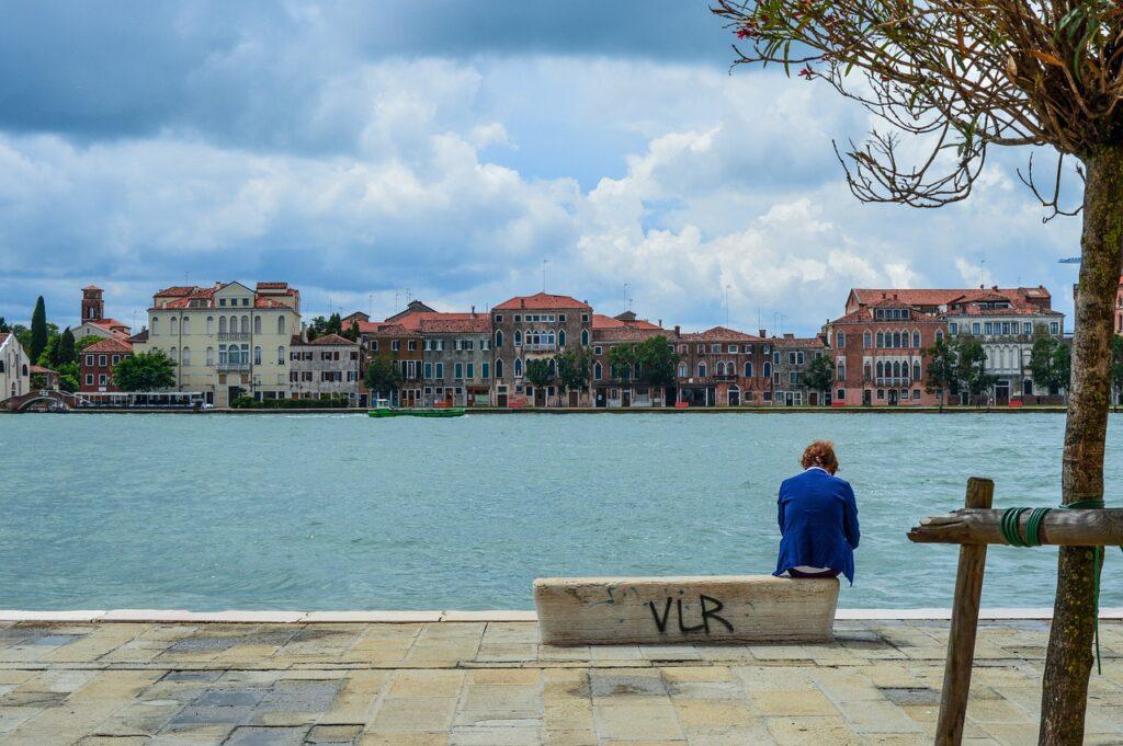Venice Senior Bench Summer Italy  - Gaspartacus / Pixabay