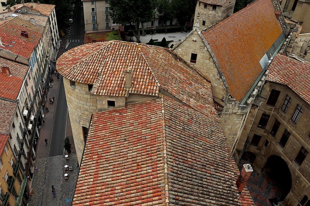 Village Buildings Midi De La France  - GAIMARD / Pixabay
