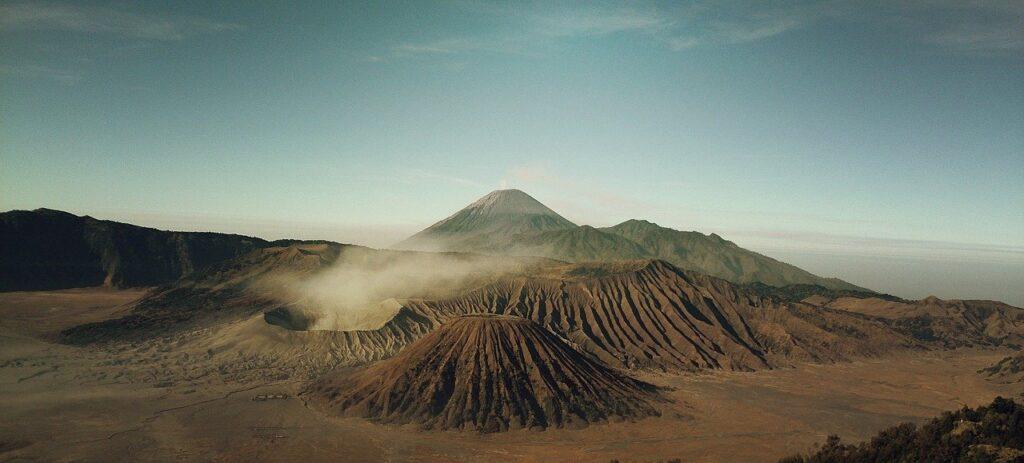 Volcanoes Craters Iceland Volcanic  - Free-Photos / Pixabay