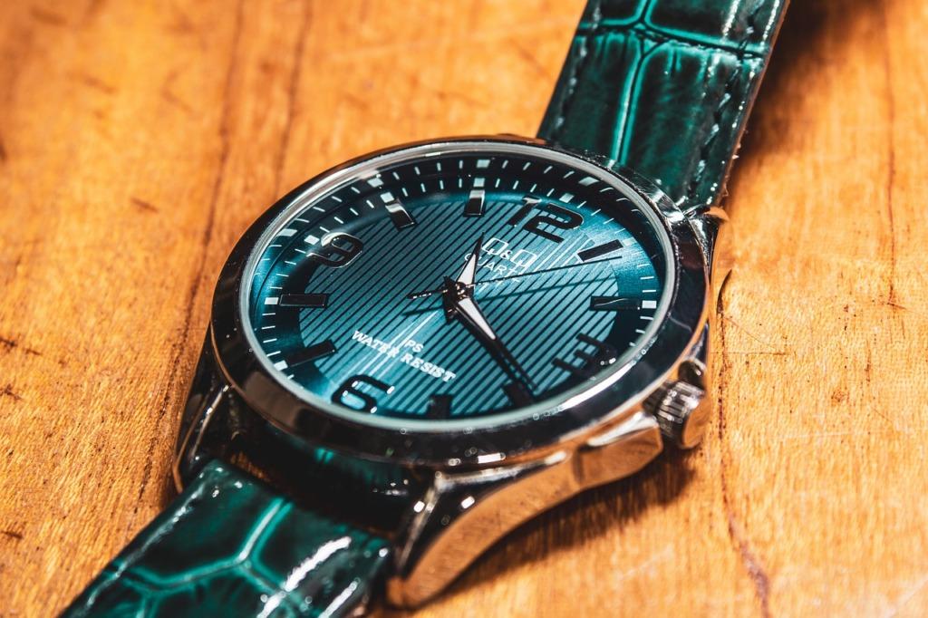 Watch Mechanical Accessory Clock  - Gor_Mineev / Pixabay