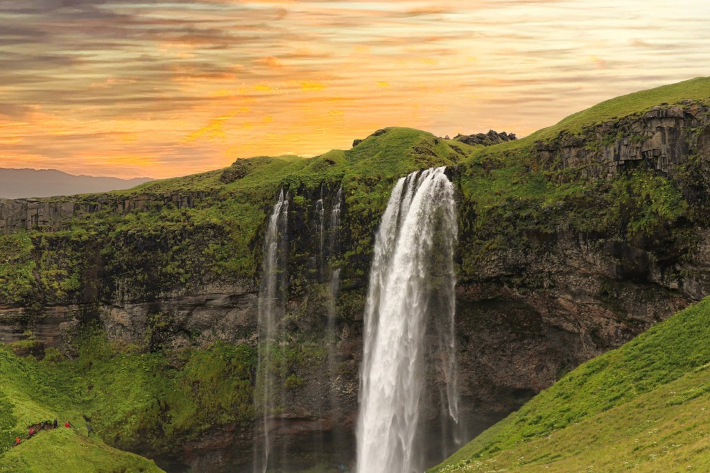 Waterfall Mountains River Nature  - nextvoyage / Pixabay