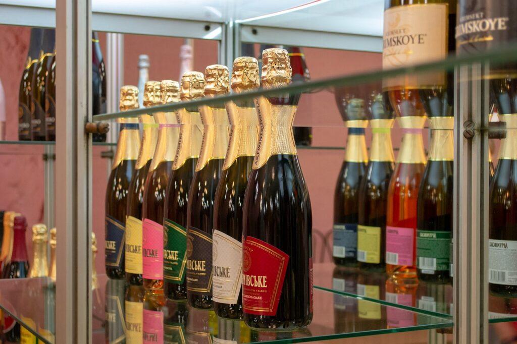 Wine Champagne Bottles Gallery  - dmvl / Pixabay