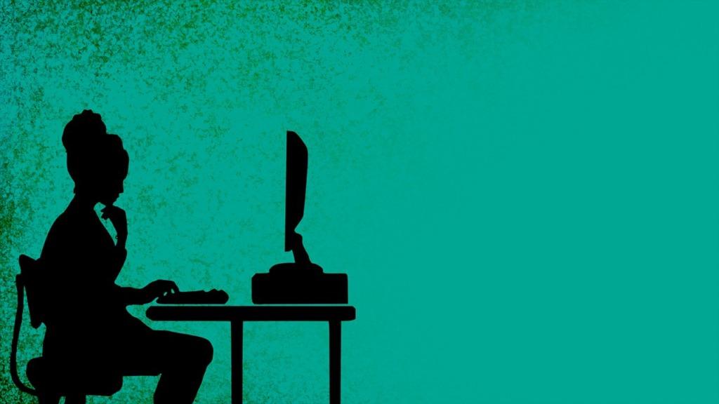 Woman Computer Desk Work Station  - chenspec / Pixabay
