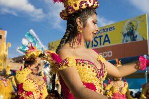 Woman Dancer Carnival Costume  - JoseAlbertoAyala / Pixabay