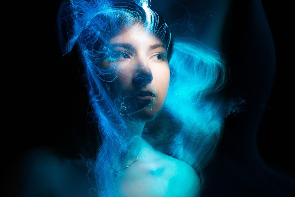 Woman Face Light Painting Light  - merlinlightpainting / Pixabay