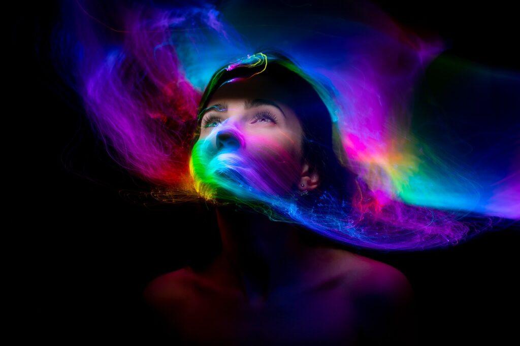 Woman Face Light Painting Lights  - merlinlightpainting / Pixabay