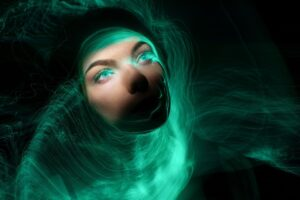 Woman Face Light Painting Magical  - merlinlightpainting / Pixabay
