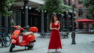Woman Fashion Scooter Red Dress  - eyesviews / Pixabay